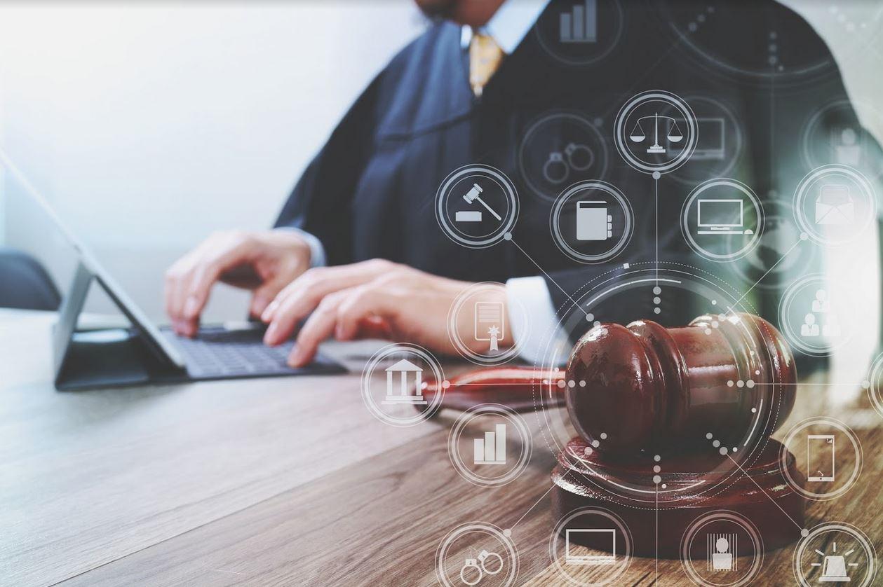 Zawód z przyszłością, czyli jak zostać adwokatem?