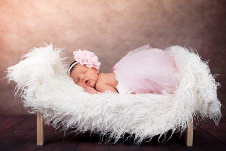 Ubrania dla niemowląt – jak wybrać komfortowy strój dla dziecka