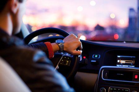 Skup aut – na co uważać? Sprawdzamy, jakie konsekwencje rodzi nieprzemyślana sprzedaż pojazdu