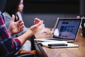 Na czym polega pośrednictwo pracy?